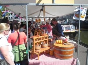 Marktstände beim Käsemarkt in Alkmaar